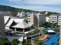 phuket-5-star-accommodation-grand-mercure-patong-otop-shopping-mall