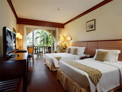 Phuket-Accommodation-Patong-Beach-Front-Graceland-Resort-Deluxe-Pool-View-Graceland-Wing