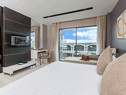 Phuket-accommodation-four-star-the-charm-resort-patong-deluxe-3