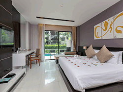 Phuket-accommodation-four-star-the-charm-resort-patong-deluxe-pool-access-2