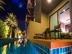 Phuket-accommodation-four-star-the-charm-resort-patong-deluxe-pool-access