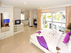 phuket-accommodation-three-star-baramee-hip-hotel-patong-10