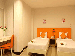 phuket-accommodation-three-star-baramee-hip-hotel-patong-6