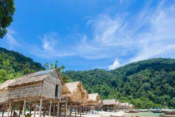 หมู่บ้าน-ชาวมอแกน-เกาะสุรินทร์