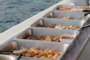 อาหาร-บุฟเฟต์-บนเรือ-ยอร์ช-คาตามารัน