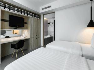 โรงแรม-ชูการ์-มารีน่า-อาร์ท-ภูเก็ต-ห้อง-ดีลักซ์-กะรน-4