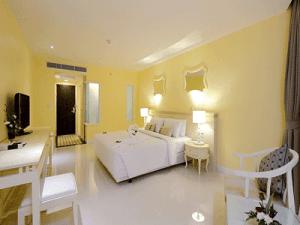 โรงแรม-อันดามัน-แอมเบรส์-ภูเก็ต-ห้อง-ดีลักซ์-1