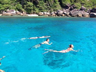 similan-tachai-island-one-day-tour-phuket-by-speed-boat-2