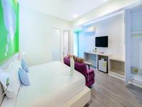 king-bed-the-tint-at-phuket-hotel-in-phuket-town