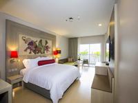 Premier-room-ramada-deevana-patong-hotel-phuket-3