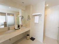 hotel-ramada-deevana-phuket-Junior-Suite-6