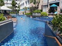 phuket-5-star-accommodation-grand-mercure-patong-otop-shopping-mall-3