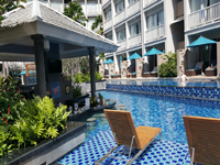 phuket-5-star-accommodation-grand-mercure-patong-otop-shopping-mall-6