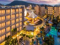 phuket-5-star-accommodation-grand-mercure-patong-otop-shopping-mall-8