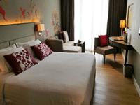 phuket-hotel-5-star-grand-mercure-patong-superior-room-4