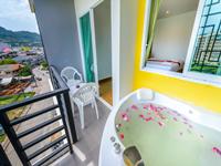 the-three-by-apk-patong-deluxe-โรงแรม-ป่าตอง-ราคา-ถูก-เอเย่น-ภูเก็ต-ดรีม-ทัวร์-7