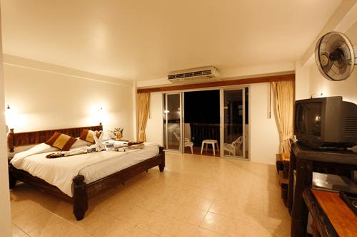 superior-room-ao-nang-sunset-hotel-krabi-3