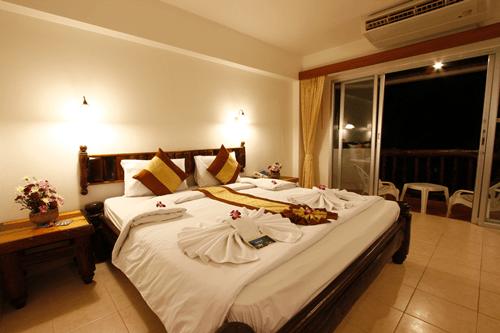 superior-room-ao-nang-sunset-hotel-krabi
