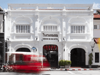 the-memory-at-on-on-hotel-phuket-old-town-9