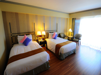 patong-resort-hotel-deluxe-room-2