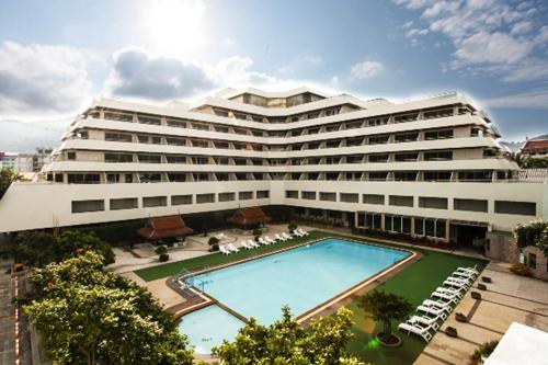 patong-resort-hotel-phuket-four-star-2