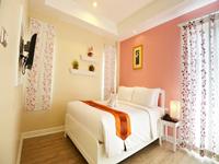 the-beach-boutique-house-kata-phuket-hotel-superior-room-2