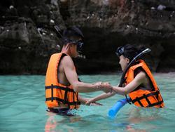 sawasdee-phi-phi-island-premium-catamaran-phuket-14
