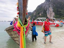 sawasdee-phi-phi-island-premium-catamaran-phuket-15