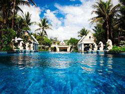 Phuket-Accommodation-Patong-Beach-Front-Graceland-Resort-15