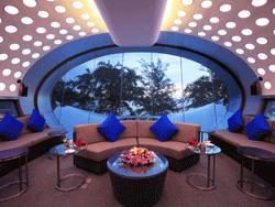 Phuket-Accommodation-Patong-Beach-Front-Graceland-Resort-7