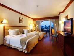 Phuket-Accommodation-Patong-Beach-Front-Graceland-Resort-Deluxe-Graceland-Wing-3