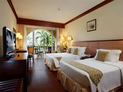Phuket-Accommodation-Patong-Beach-Front-Graceland-Resort-Deluxe-Graceland-Wing