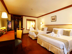 Phuket-Accommodation-Patong-Beach-Front-Graceland-Resort-Deluxe-Pool-View-Graceland-Wing-2