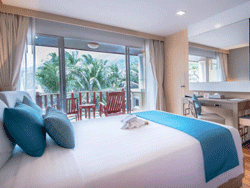 Phuket-Accommodation-Patong-Beach-Front-Graceland-Resort-New-Deluxe-Pool-View-Graceland-Wing-2