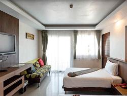 Phuket-Accommodation-Patong-Beach-Thanthip-Resort-Three-Star-Deluxe-3