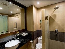 Phuket-Accommodation-Patong-Beach-Thanthip-Resort-Three-Star-Deluxe-Pool-Access-3