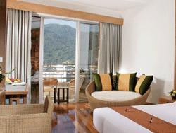 Phuket-Accommodation-The-Royal-Paradise-Patong-Hotel-Deluxe-2