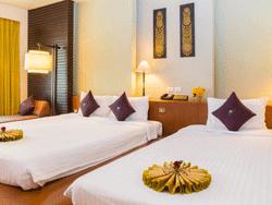 Phuket-Accommodation-The-Royal-Paradise-Patong-Hotel-Royal-Wing-Deluxe-2