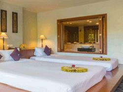 Phuket-Accommodation-The-Royal-Paradise-Patong-Hotel-Royal-Wing-Deluxe-3