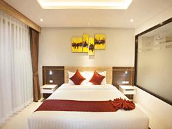 Phuket-New-Accommodation-Paripas-Patong-Resort-Pool-Access-2