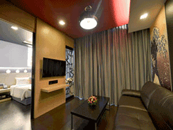 Phuket-accommodation-four-star-sleep-with-me-hotel-patong-suite-2