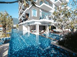 phuket-accommodation-four-star-andakira-hotel-patong-19