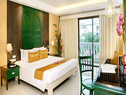 phuket-accommodation-the-old-karon-beach-resort-4