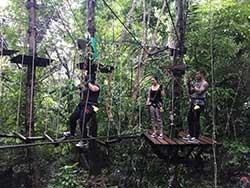 กิจกรรมผาดโผนบนต้นไม้-โหนสลิง-กระบี่-ทรีท็อป-แอดเวนเจอร์-10
