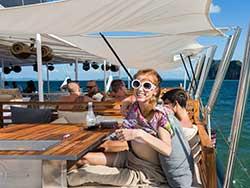 จำหน่ายบัตรทัวร์ล่องเรือใบหรูปาร์ตี้-Hype-Luxury-Boat-เที่ยวภูเก็ต-ราคาถูก-10