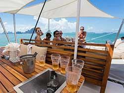 จำหน่ายบัตรทัวร์ล่องเรือใบหรูปาร์ตี้-Hype-Luxury-Boat-เที่ยวภูเก็ต-ราคาถูก-13