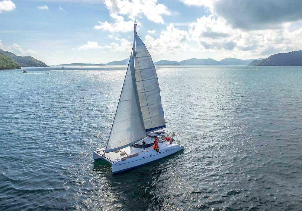 ทัวร์วันเดย์ทริป-เกาะไม้ท่อน-ล่องเรือชมปลาโลมา-โดยเรือคาตามารัน-เที่ยวภูเก็ต-13