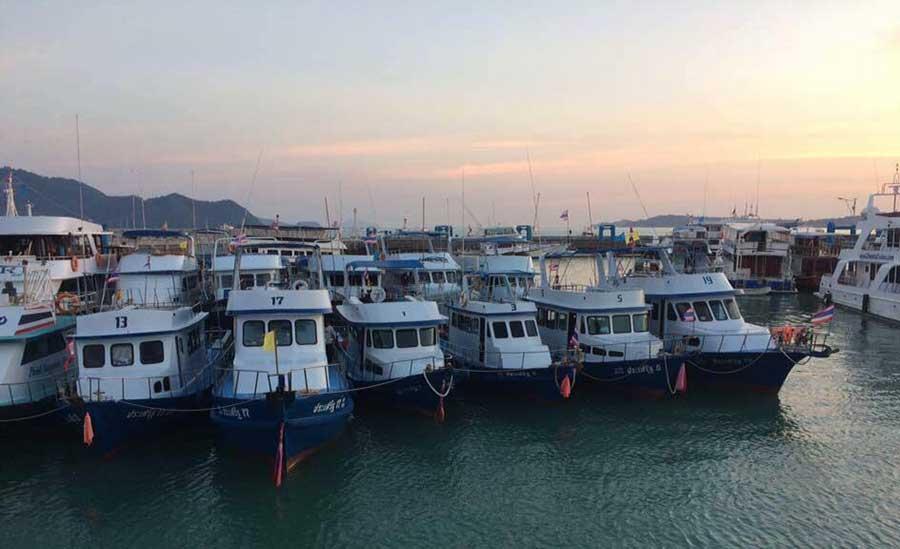 บริการเช่าเรือเหมาลำตกปลา-กลางวัน-กลางคืน-ทรอลิ่ง-สปินนิ่ง-เที่ยวภูเก็ต-ราคาถูก-7
