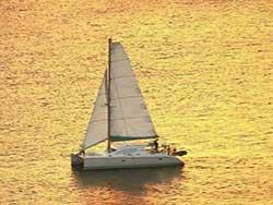 บริการเช่า-เหมาลำเรือคาตามารัน-เที่ยวภูเก็ต-กระบี่-พังงา-ราคาถูก