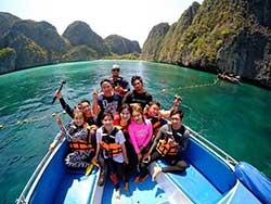 ทัวร์-เกาะพีพี-ชมอ่าาวมาหยา-ดำน้ำ-ดูปะการัง